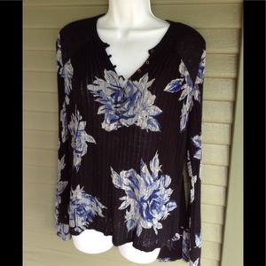 Lucky Brand Size M Floral LS Top